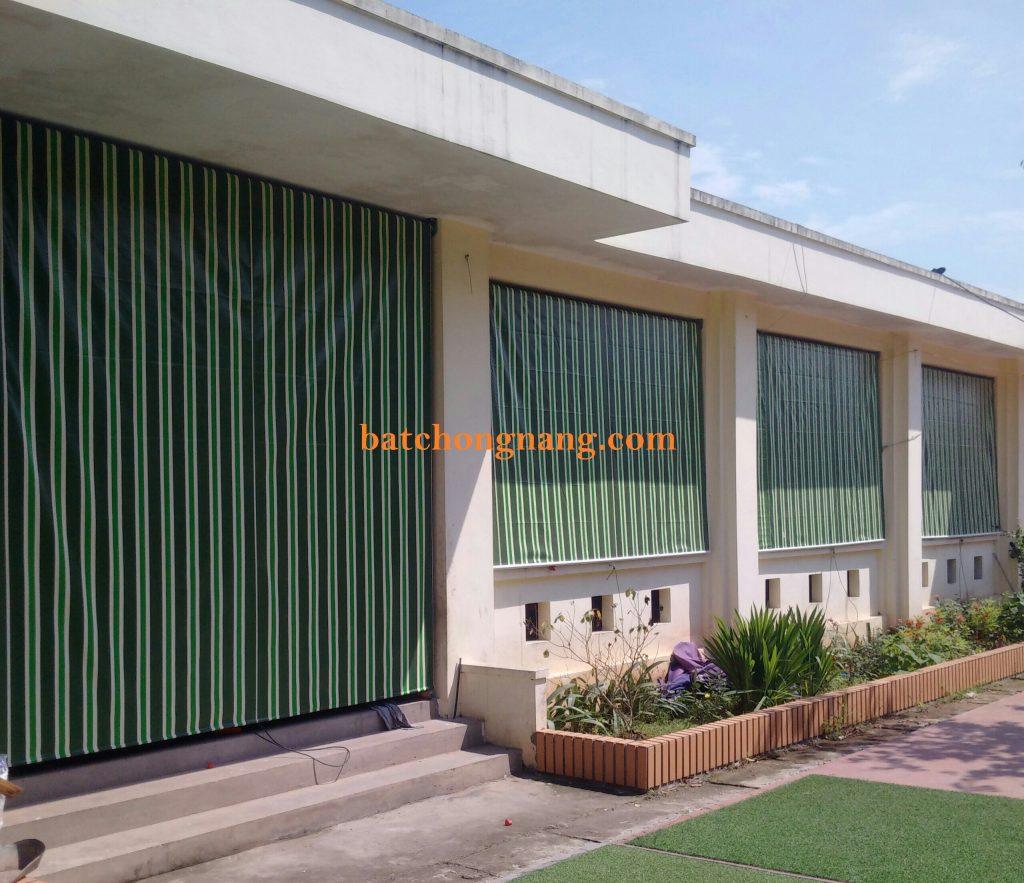 chuyên thi công lắp đặt bạt che nắng mưa Hòa Phát tại trường học